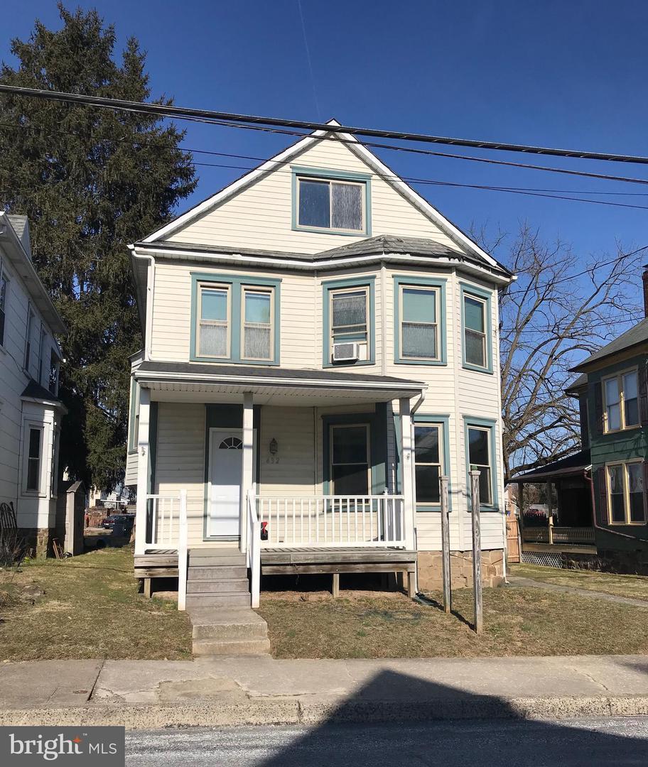 432 Queen Street - Photo 1