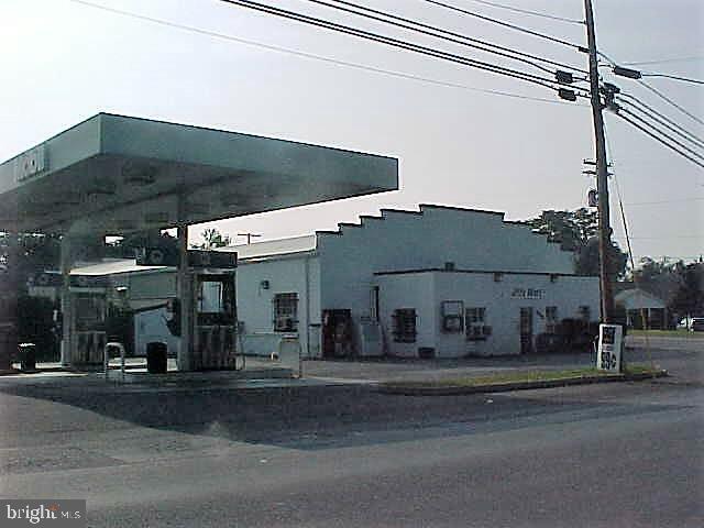 1630 Loudoun Street - Photo 1