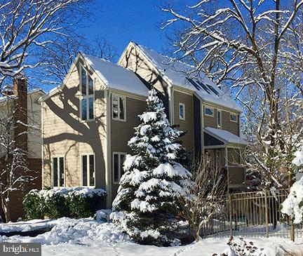6832 Chelsea Road, MCLEAN, VA 22101 (#VAFX997636) :: Remax Preferred | Scott Kompa Group