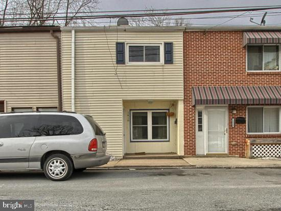 1418 N 4TH Street, HARRISBURG, PA 17102 (#PADA107464) :: Liz Hamberger Real Estate Team of KW Keystone Realty