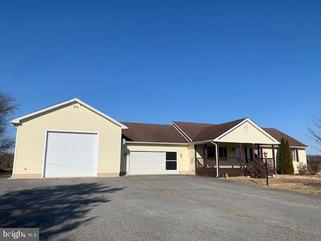 24276 Race Track Road, RIDGELY, MD 21660 (#MDCM120814) :: Compass Resort Real Estate