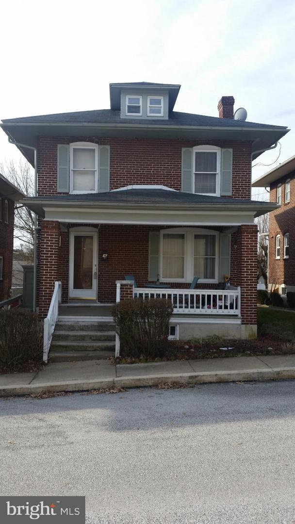 16 E 3RD Avenue, YORK, PA 17404 (#PAYK112134) :: Benchmark Real Estate Team of KW Keystone Realty