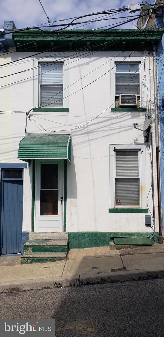312 Carson Street, PHILADELPHIA, PA 19128 (#PAPH727676) :: The John Wuertz Team