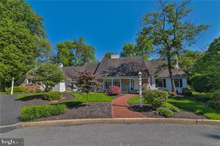 2941 Woods Hollow Lane, ALLENTOWN, PA 18103 (#PALH110524) :: Colgan Real Estate