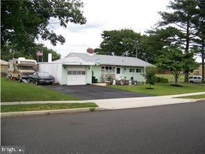2 Post Lane, LEVITTOWN, PA 19054 (#PABU445946) :: Remax Preferred | Scott Kompa Group
