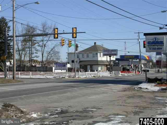 5299 Lincoln Hwy W Highway W, THOMASVILLE, PA 17364 (#PAYK112334) :: CENTURY 21 Core Partners