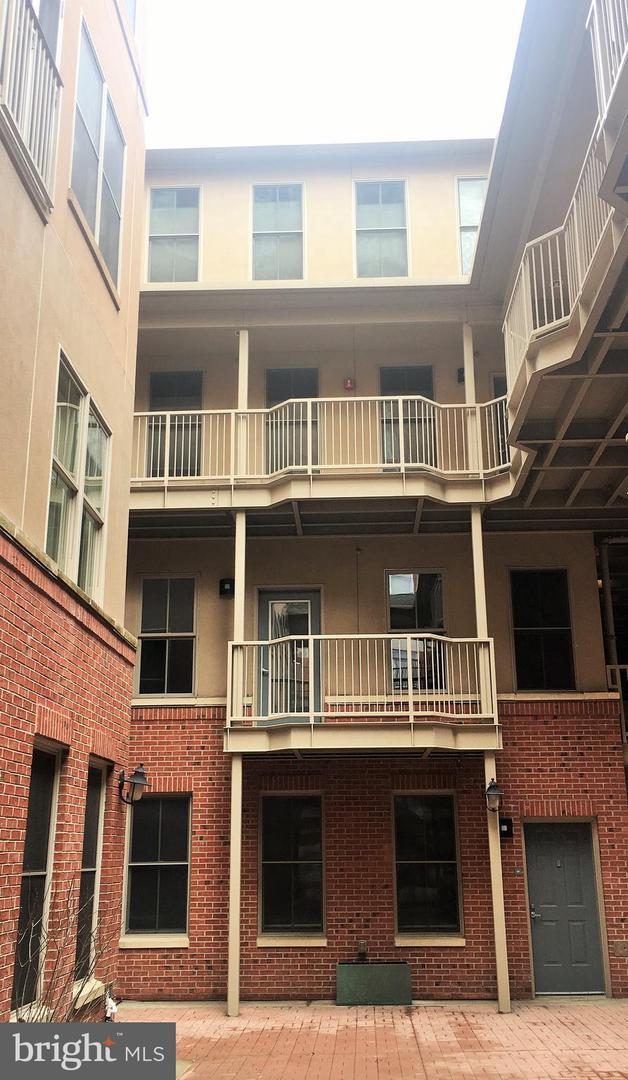 133 N Bread Street J1, PHILADELPHIA, PA 19106 (#PAPH728784) :: Colgan Real Estate