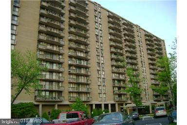 6100 Westchester Park Drive Tr419, COLLEGE PARK, MD 20740 (#MDPG512084) :: Shamrock Realty Group, Inc