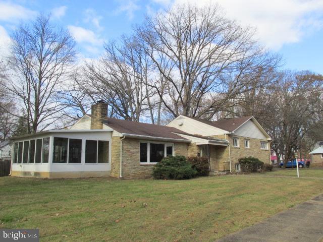 221 Renfrew, TRENTON, NJ 08618 (#NJME275520) :: Colgan Real Estate