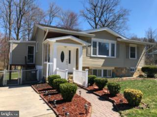 8801 Lagrange Street, LORTON, VA 22079 (#VAFX1049694) :: The Riffle Group of Keller Williams Select Realtors