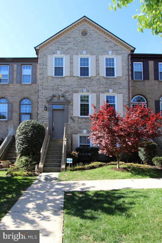 6004 Wescott Hills Way, ALEXANDRIA, VA 22315 (#VAFX1049850) :: Colgan Real Estate