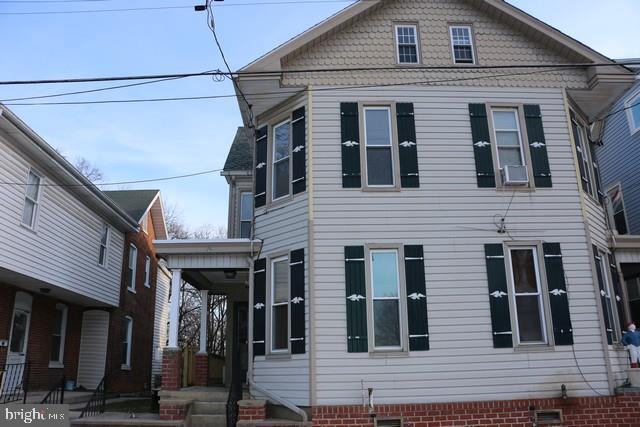 339 East Catherine, CHAMBERSBURG, PA 17201 (#PAFL164412) :: Eng Garcia Grant & Co.