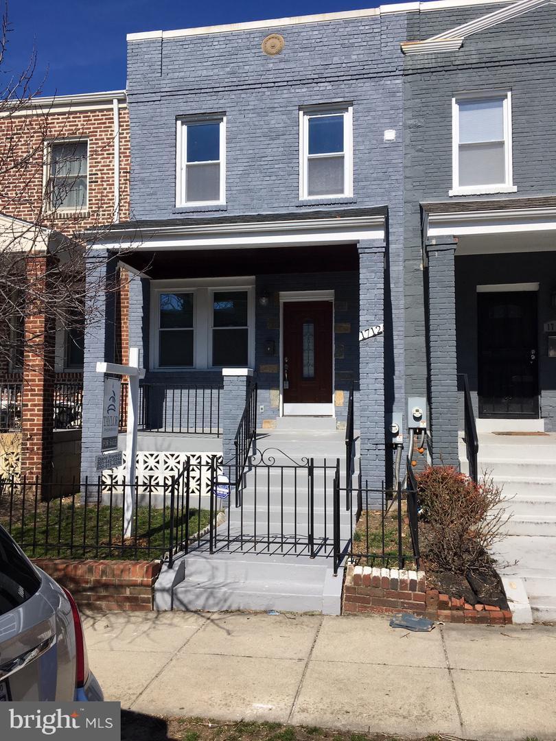 1712 Lyman Place - Photo 1