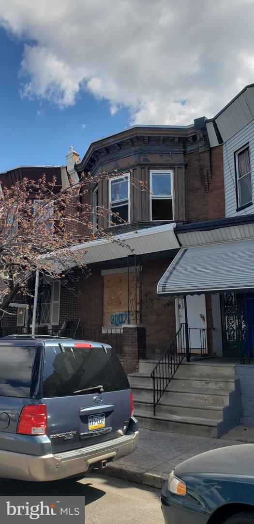 3915 N 10TH Street, PHILADELPHIA, PA 19140 (#PAPH786932) :: ExecuHome Realty