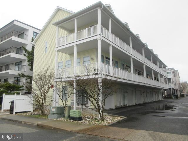 6 63RD Street #5, OCEAN CITY, MD 21842 (#MDWO105366) :: Atlantic Shores Realty