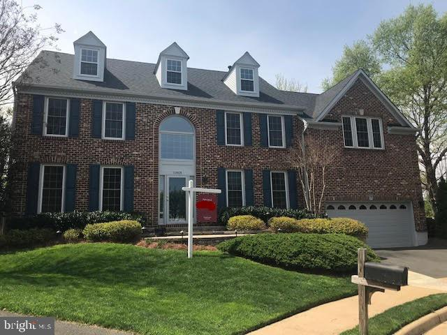 10505 Trowbridge Court, FAIRFAX, VA 22030 (#VAFC117852) :: The Vashist Group