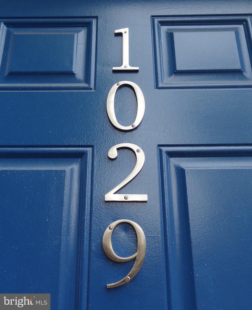 1029 Pine Street - Photo 1