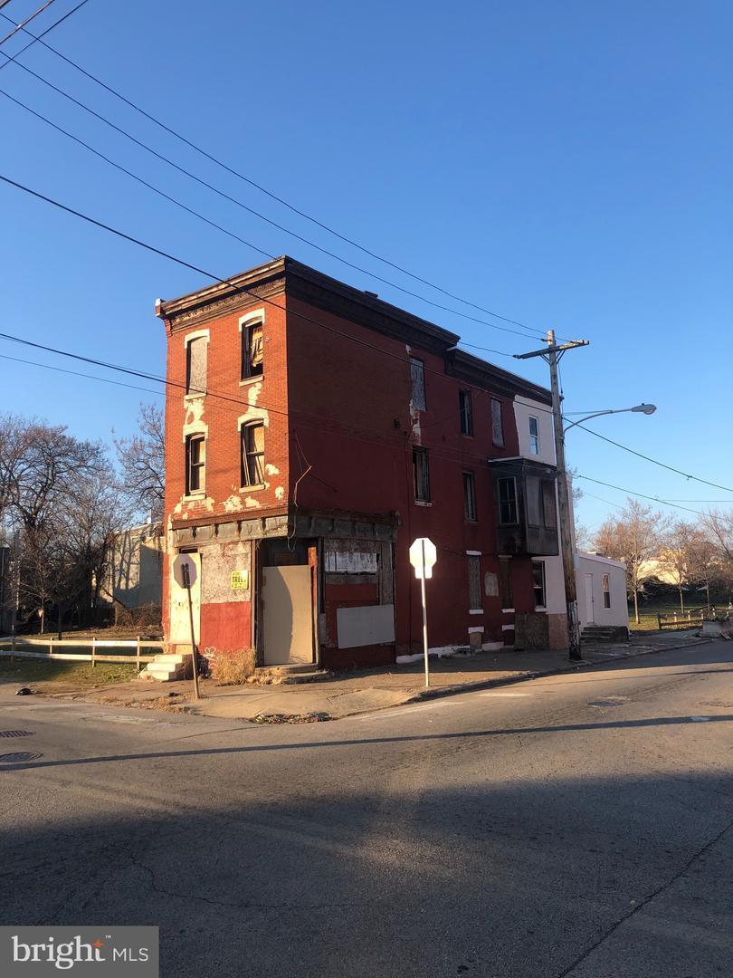 2401 Montgomery Avenue - Photo 1