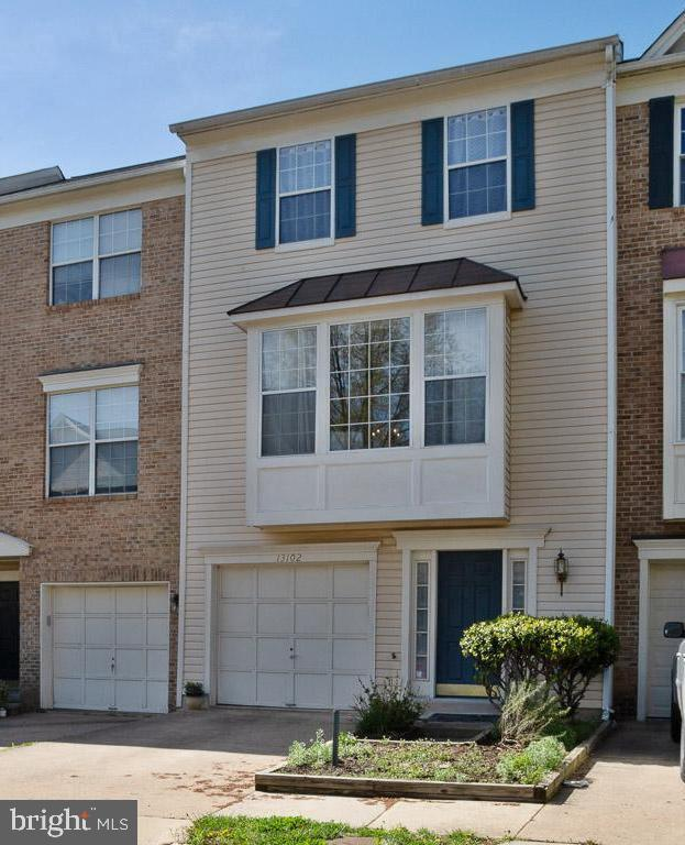 13102 Kidwell Field Road, HERNDON, VA 20171 (#VAFX1054510) :: The Vashist Group
