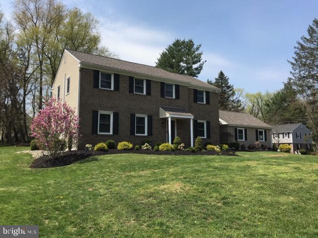 1090 Wood Lane, WEST CHESTER, PA 19382 (#PACT476138) :: Keller Williams Real Estate