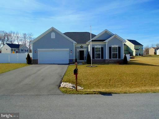 15621 Camden Drive, GREENCASTLE, PA 17225 (#PAFL164878) :: Charis Realty Group