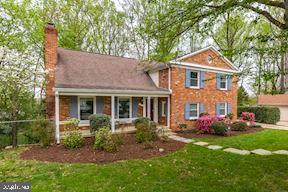 5 Winterberry Court, BETHESDA, MD 20817 (#MDMC653832) :: Dart Homes