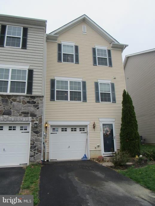 709 Blossom Drive, HANOVER, PA 17331 (#PAYK115026) :: Younger Realty Group