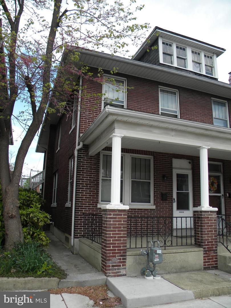 671 Wallace Street - Photo 1