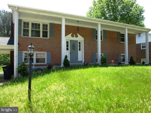 6105 Hellen Lee Drive, CLINTON, MD 20735 (#MDPG526668) :: The Riffle Group of Keller Williams Select Realtors
