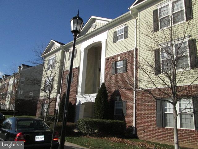 42544 Hollyhock Terrace #204, BRAMBLETON, VA 20148 (#VALO382862) :: Shamrock Realty Group, Inc