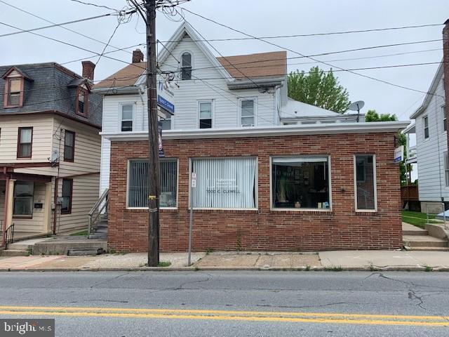 63 E Main Street, DALLASTOWN, PA 17313 (#PAYK116230) :: Liz Hamberger Real Estate Team of KW Keystone Realty