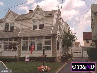 419 Elm Avenue, UPPER DARBY, PA 19082 (#PADE490914) :: The John Kriza Team