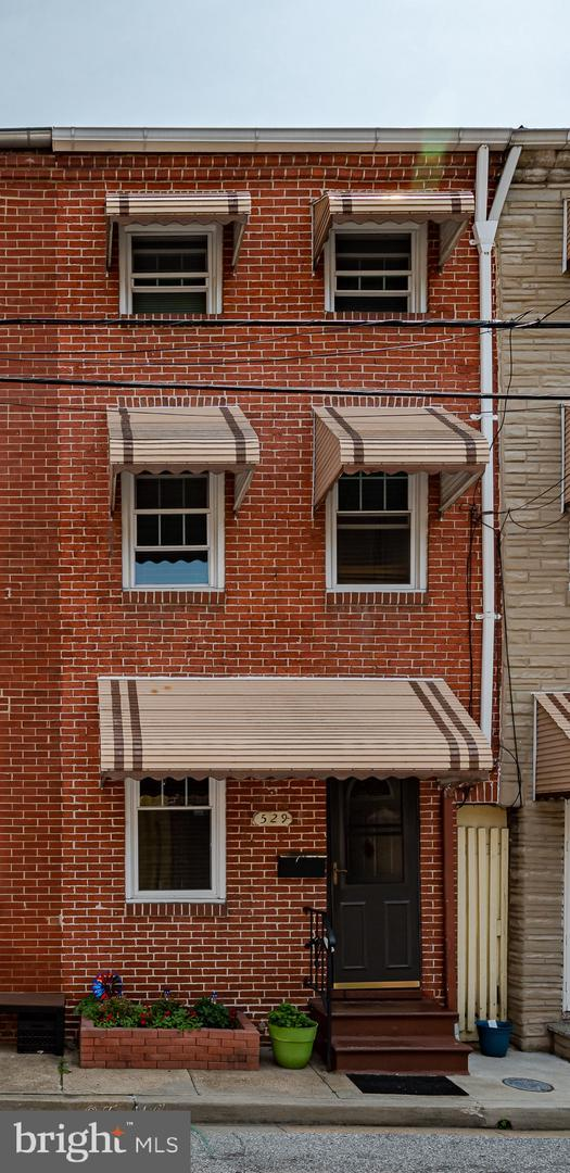 529 S Chapel Street, BALTIMORE, MD 21231 (#MDBA467976) :: The Miller Team
