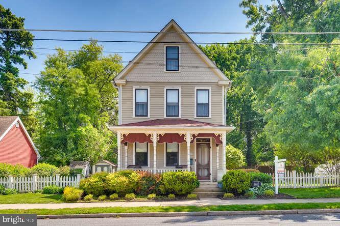 414 Bourbon Street - Photo 1