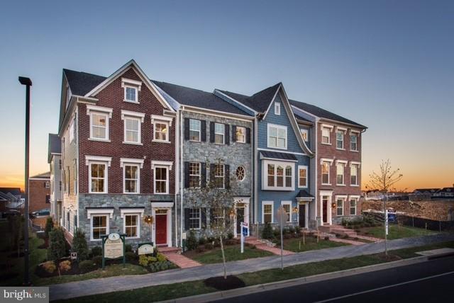 13072 Martz Street, CLARKSBURG, MD 20871 (#MDMC658564) :: Jim Bass Group of Real Estate Teams, LLC