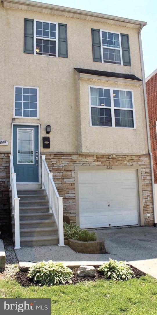 628 E Marshall Street, NORRISTOWN, PA 19401 (#PAMC609268) :: The John Kriza Team
