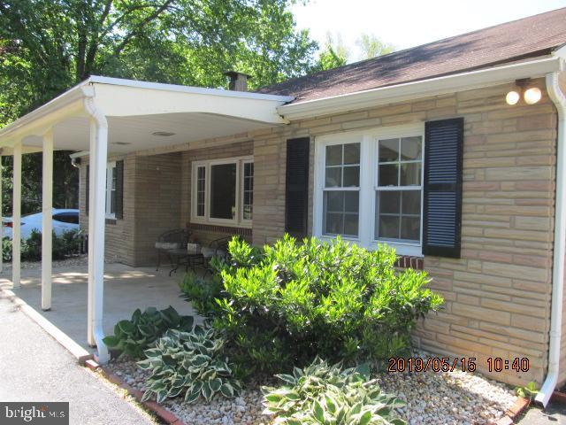940 Downingtown Pike, WEST CHESTER, PA 19380 (#PACT478782) :: ExecuHome Realty
