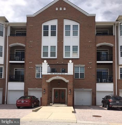 7305 Maplecrest Road #406, ELKRIDGE, MD 21075 (#MDHW263738) :: The Gold Standard Group