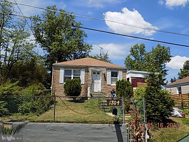 1304 Chapel Lane, CAPITOL HEIGHTS, MD 20743 (#MDPG528650) :: The Riffle Group of Keller Williams Select Realtors