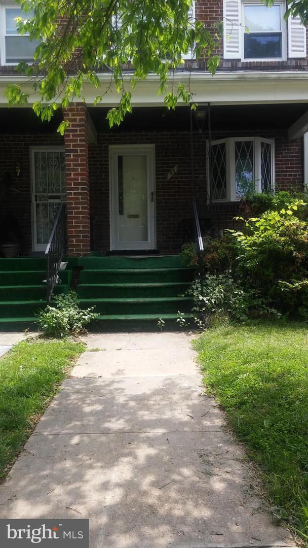 35 Buchanan Street NE, WASHINGTON, DC 20011 (#DCDC427644) :: The Kenita Tang Team
