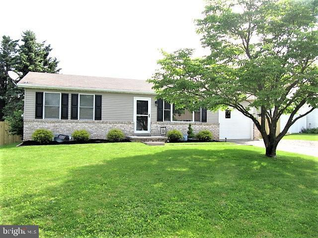 12 Colonial Drive, HANOVER, PA 17331 (#PAYK117162) :: Bob Lucido Team of Keller Williams Integrity