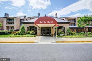 11430 Strand Drive #111, NORTH BETHESDA, MD 20852 (#MDMC660088) :: The Speicher Group of Long & Foster Real Estate