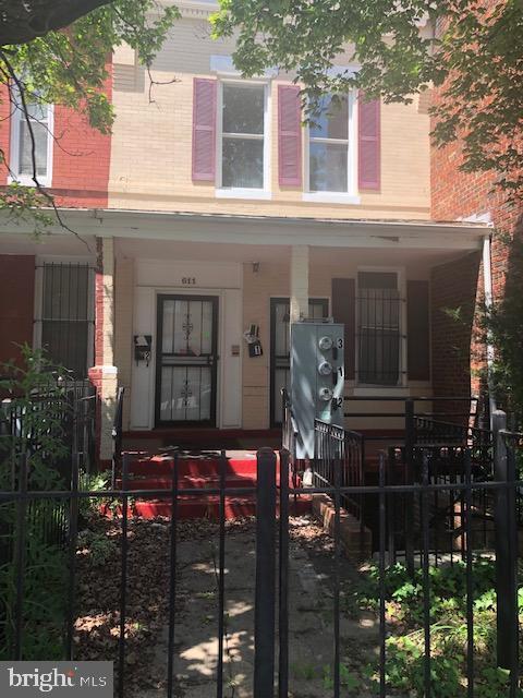 611 Park Road NW, WASHINGTON, DC 20010 (#DCDC428050) :: Crossman & Co. Real Estate