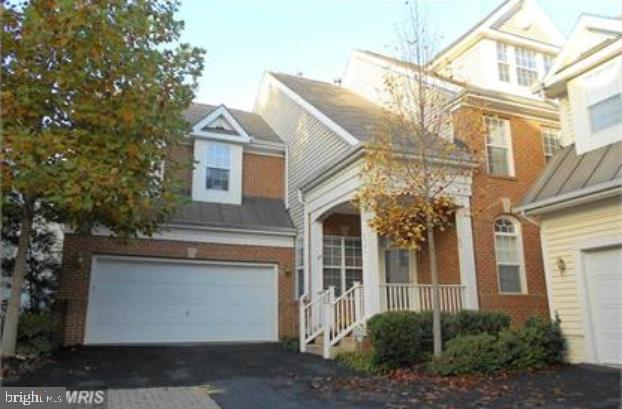 6986 Forepond Court, FORT BELVOIR, VA 22060 (#VAFX1064214) :: Samantha Bendigo