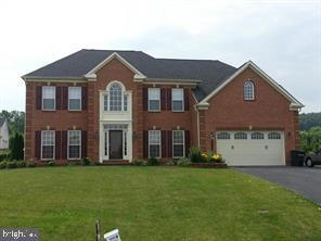 11658 Blue Mountain Drive, WAYNESBORO, PA 17268 (#PAFL165860) :: The Joy Daniels Real Estate Group