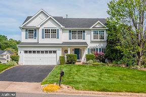 15661 Piedmont Place, WOODBRIDGE, VA 22193 (#VAPW468740) :: Generation Homes Group