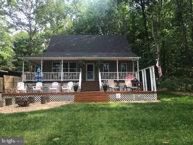 142 Lake Caroline Drive, RUTHER GLEN, VA 22546 (#VACV120270) :: ExecuHome Realty