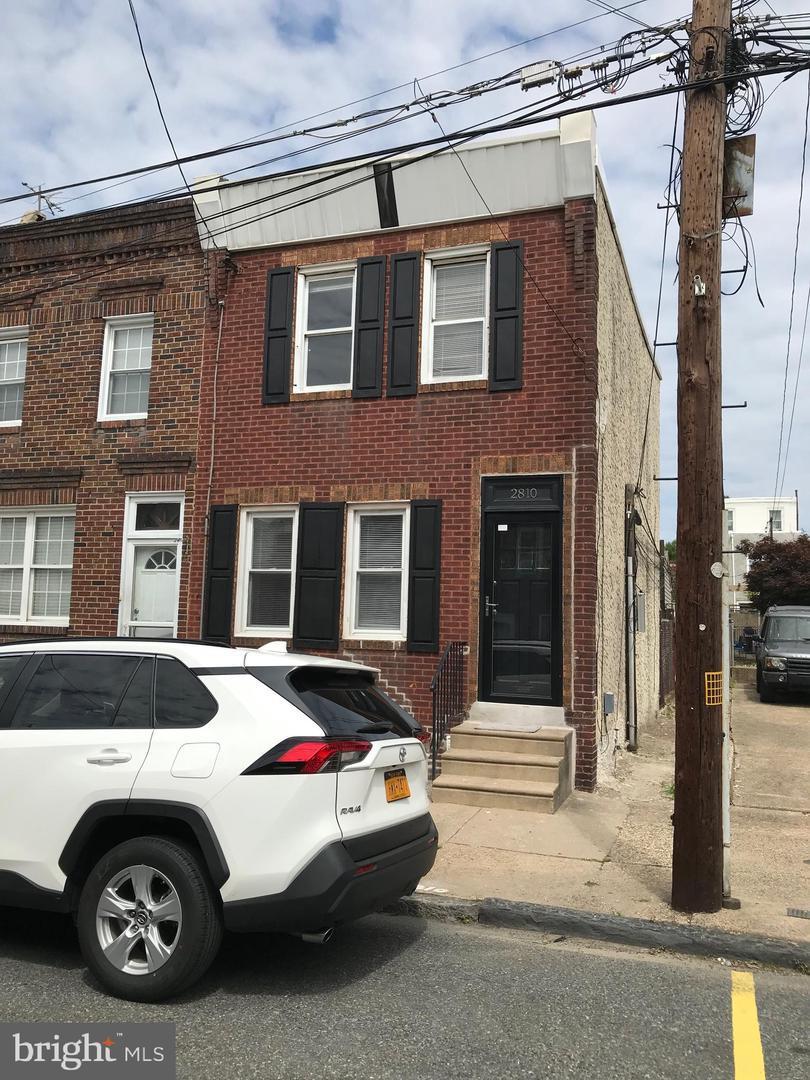 2810 Edgemont Street - Photo 1