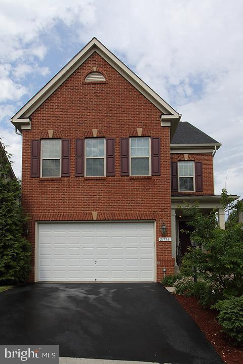 21716 Munday Hill Place, BROADLANDS, VA 20148 (#VALO385192) :: Samantha Bendigo