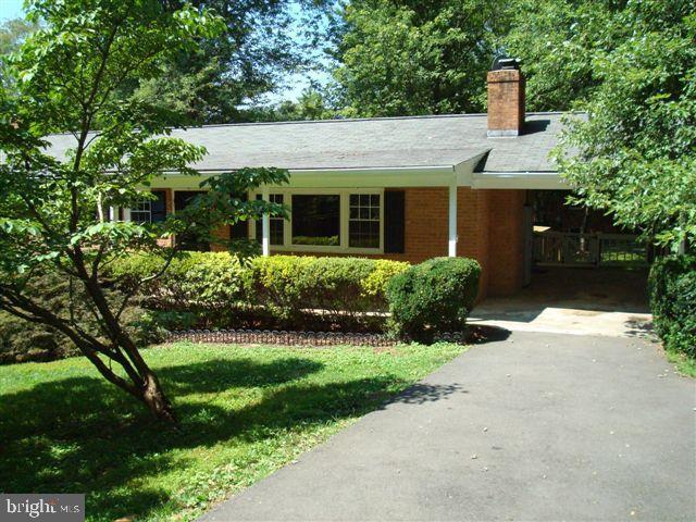 920 Walker Road, GREAT FALLS, VA 22066 (#VAFX1065100) :: Great Falls Great Homes